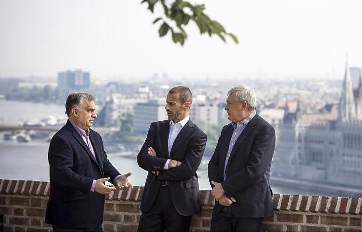 Orbán Viktor, Aleksander Ceferin és Csányi Sándor (Fotó: Miniszterelnöki Sajtóiroda/MTI - Szecsődi Balázs)