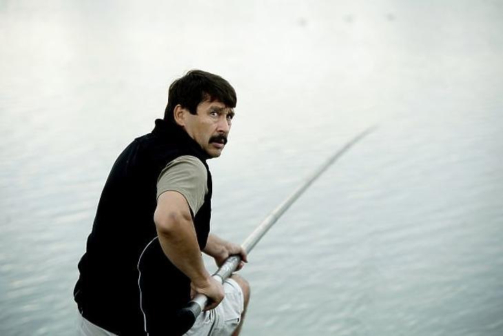 Áder János köztársasági elnök a Magyar Országos Horgász Szövetség (Mohosz) horgásznagyköveteinek VI. találkozóján 2018-ban. (MTI Fotó: Koszticsák Szilárd)