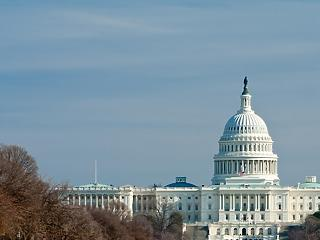 Példátlan káosz Washingtonban: Trump hívei betörtek a Capitoliumba