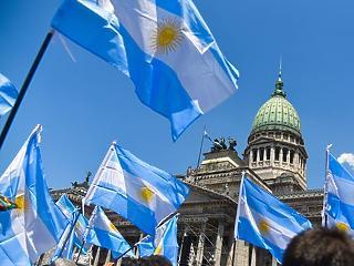 Új csúcs: 57 milliárd dollárosra emelte Argentína mentőcsomagját az IMF