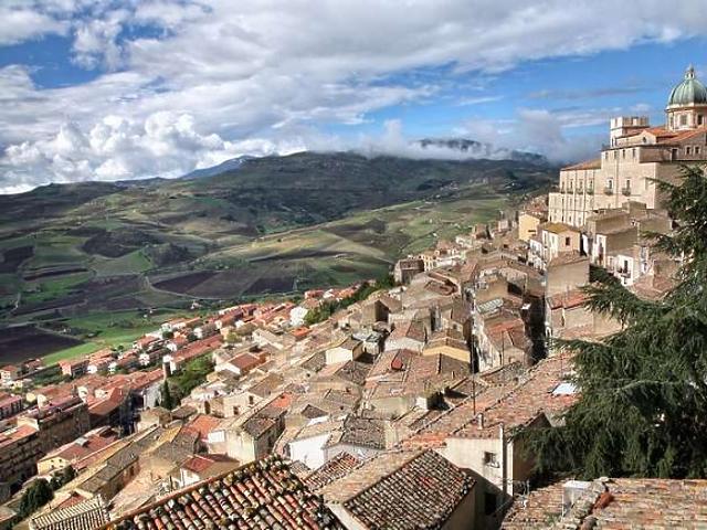 Ebben a városban vehet egy euróért házat