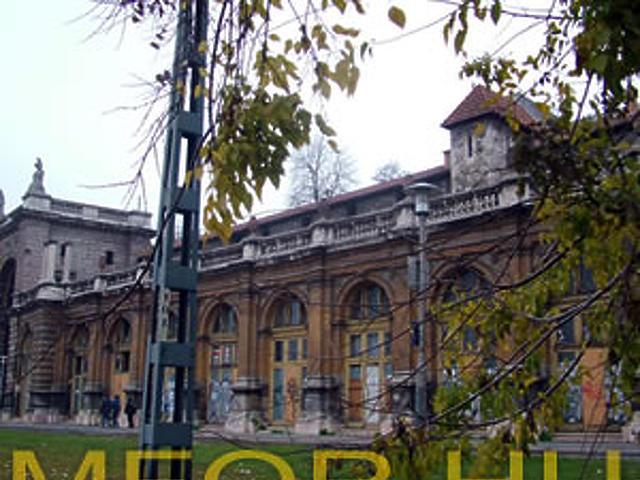 Várbazár, 2005 november
