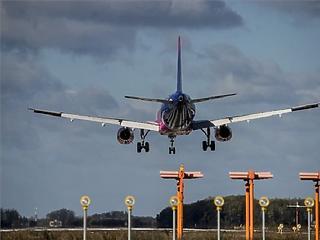 Kétszer annyi szén-dioxidot bocsát ki a légi forgalom, mint az autós