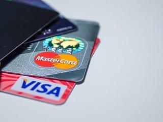 Bankkártya vagy készpénz? A fiatalok így döntenek
