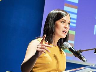 Egy pénzügyminisztériumi vizsgálati jelentés lehet Cseh Katalin adu ásza