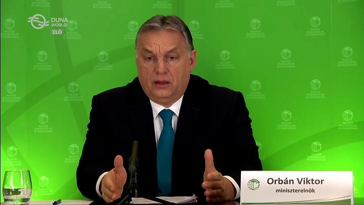 Orbán Viktor a Magyar Kereskedelmi és Iparkamara (MKIK) online Gazdasági Évnyitóján, 2021. február negyedikén. (Forrás: Duna World)