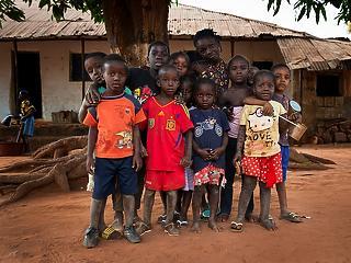 Megugrott a szegénységben élő gyermekek száma a vírusválság miatt