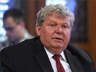 24.hu: Leválthatják Süli János paksügyi minisztert