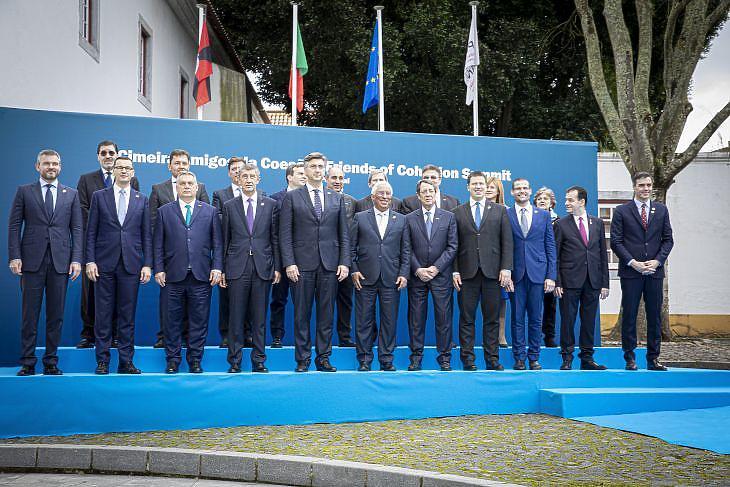 Orbán Viktor és a Kohézió Barátai csoport. (MTI/Miniszterelnöki Sajtóiroda/Fischer Zoltán)