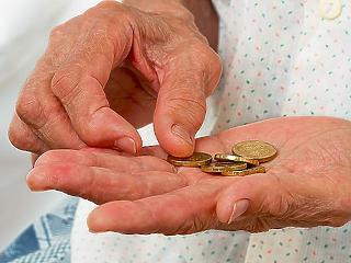 Fitch: majdnem 3 ezer milliárd dollárral lesz szegényebb a világ az idén