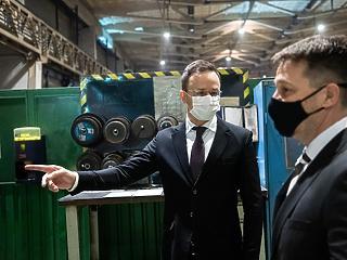 Egymilliárd forintos beruházást hoz a Siemens