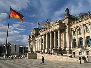 Átlépte a piros vonalat a Merkel-kormány? A szabad mozgást is korlátozzák a Covid miatt
