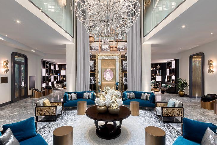 Az új hotel lobbija (fotó: Öyzer)