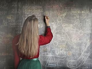 Maszkban a padban: lehet-e így normálisan tanítani?